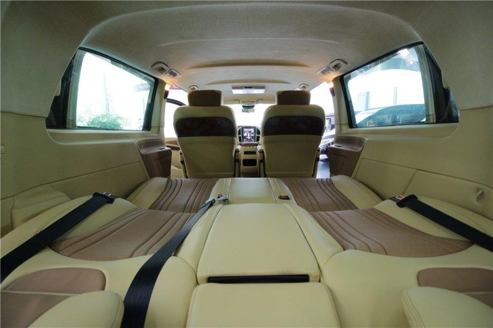 杭州奔驰威霆改装7座商务车现车特惠价格 高经理 :19967484301