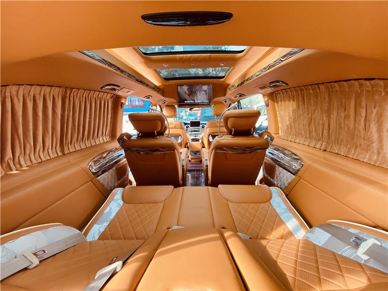 奔驰v260L商务房车报价优惠直降10万 联系方式:18072710742(钟经理)