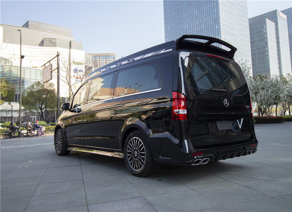 2020款奔驰VS680双色版 十分凸显质感  咨询热线:15088779054
