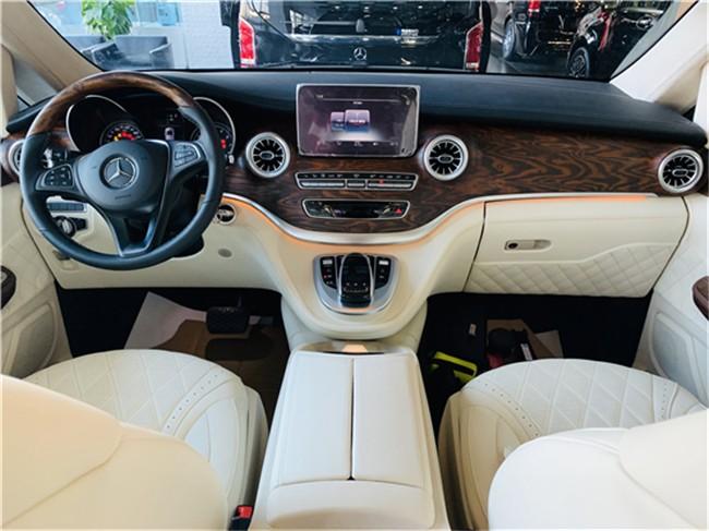 2020款高顶奔驰v260L高顶商务车报价