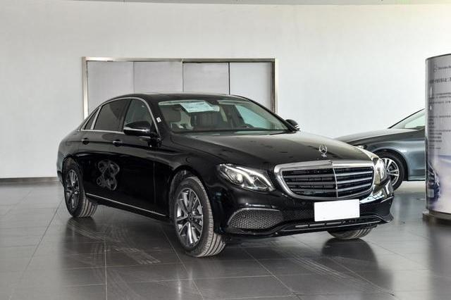 6个月卖出79961辆,名列豪华中大型车销量榜第一,赶超 A6L