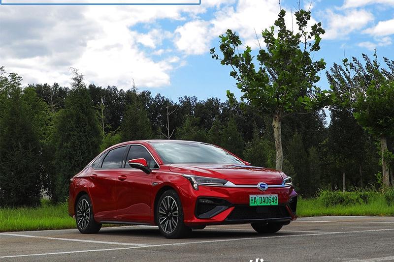"""场爷撩车:是什么让山西""""煤二代""""对这台国产新能源汽车一见钟情"""