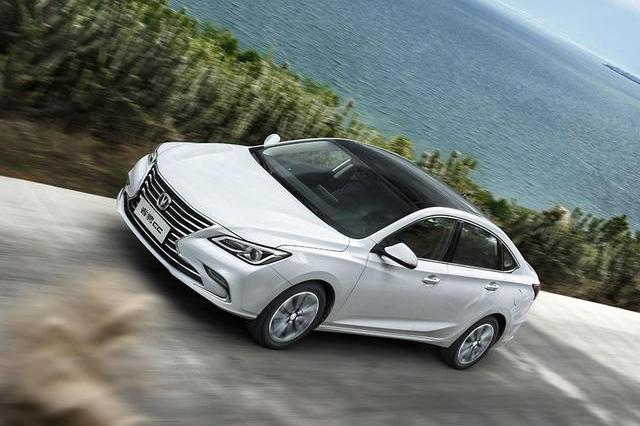 严重被低估的国产中级车,起价7万多比捷达好开,油耗比帝豪还低