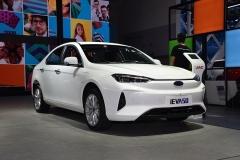 iEVA50新车型补贴后13.95万 新造型更显犀利