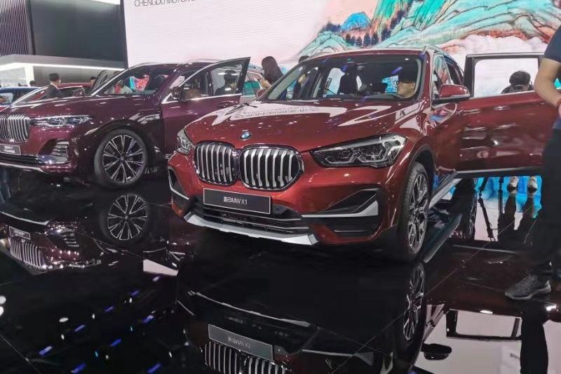 全新宝马X1成都车展亮相,基于UKL1前驱平台打造,颜值提升