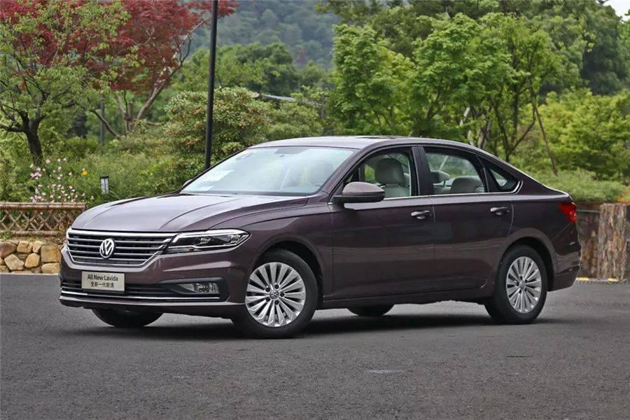 8月轿车销量前15:本田思域位居第8,雅阁涨幅超50%!宝马5系上榜