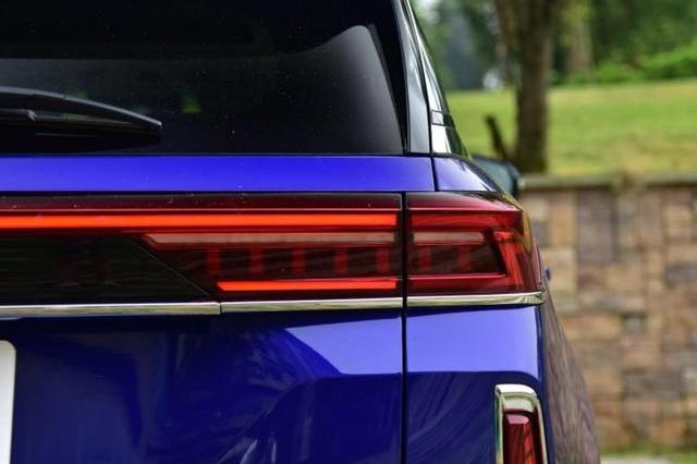 又一款国产中大型SUV,轴距近2米9,内饰媲美奔驰,15万会卖疯?