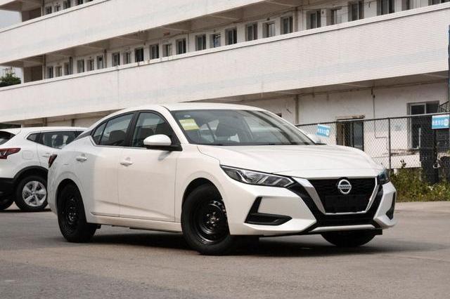 8月轿车销量榜前三,大众占两席,第一是轩逸,单月卖出33795台