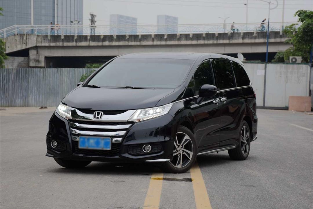 以前豪车专属,现在7万多的车就有配,LED大灯一定更好?