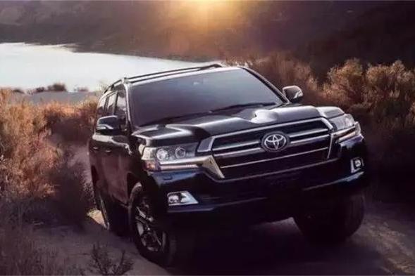 全新2020款丰田陆巡实车亮相,延续硬汉派的SUV神话