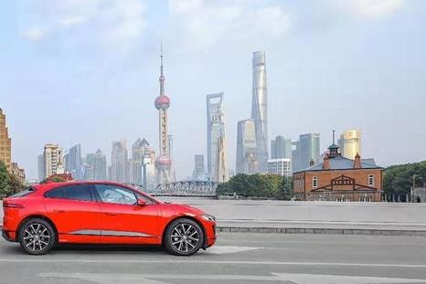 新英伦豪华纯电轿跑SUV捷豹I-PACE电亮上海