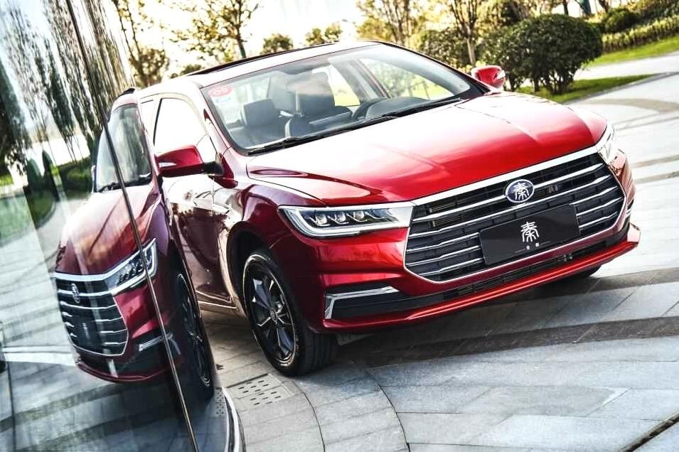 限时5.99万元起!全新比亚迪秦上市,会是年轻人的第一台车吗?
