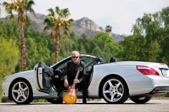《加州旅馆》火遍全球,被乐队开除,Don Felder为何只开奔驰?