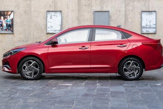 刚上市新车,就1万优惠,大空间,每公里油耗3毛多,性价比高