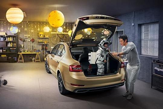 15万内,三款掀背式轿车,大空间,高颜值是亮点,关键油耗还低