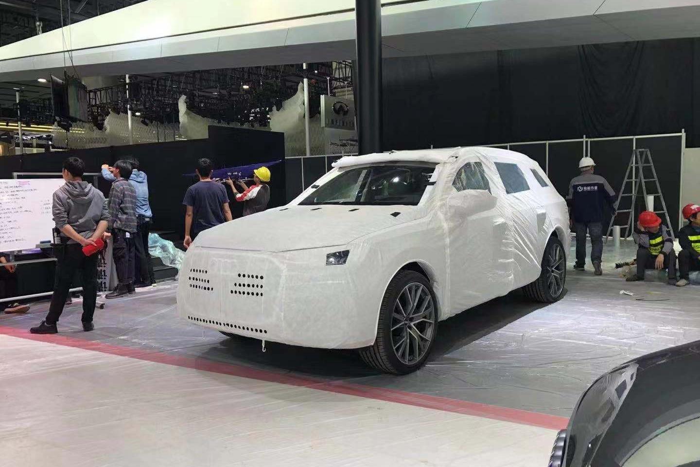 广州车展探馆 线条更凌厉 新款奥迪Q7抵达车展