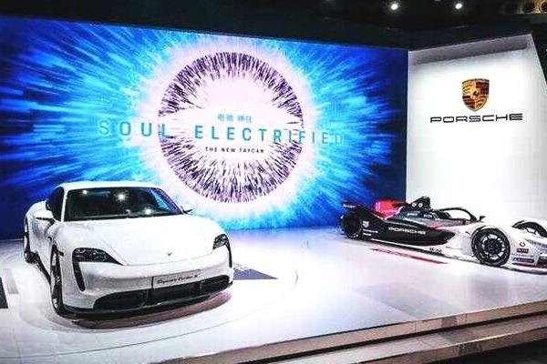 Taycan、99X Electric领衔,保时捷全系多款车型亮相广州车展