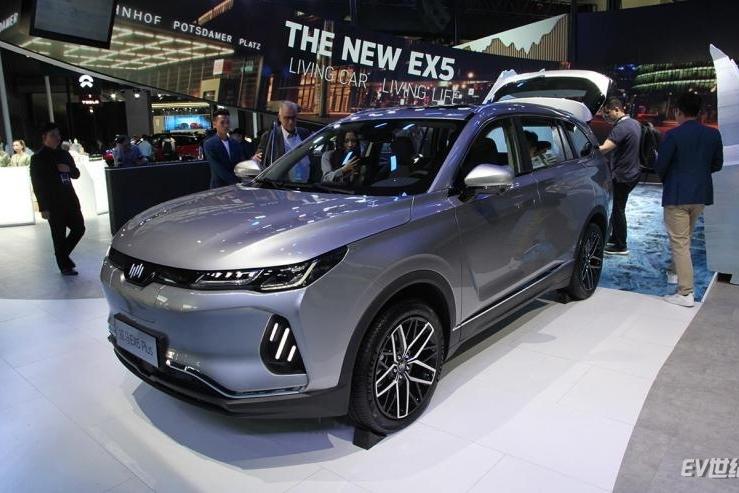 2019广州车展|定位中型纯电SUV 实拍威马EX6 Plus