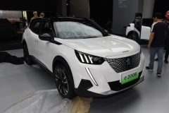 2019广州车展:国产版标致e-2008正式亮相