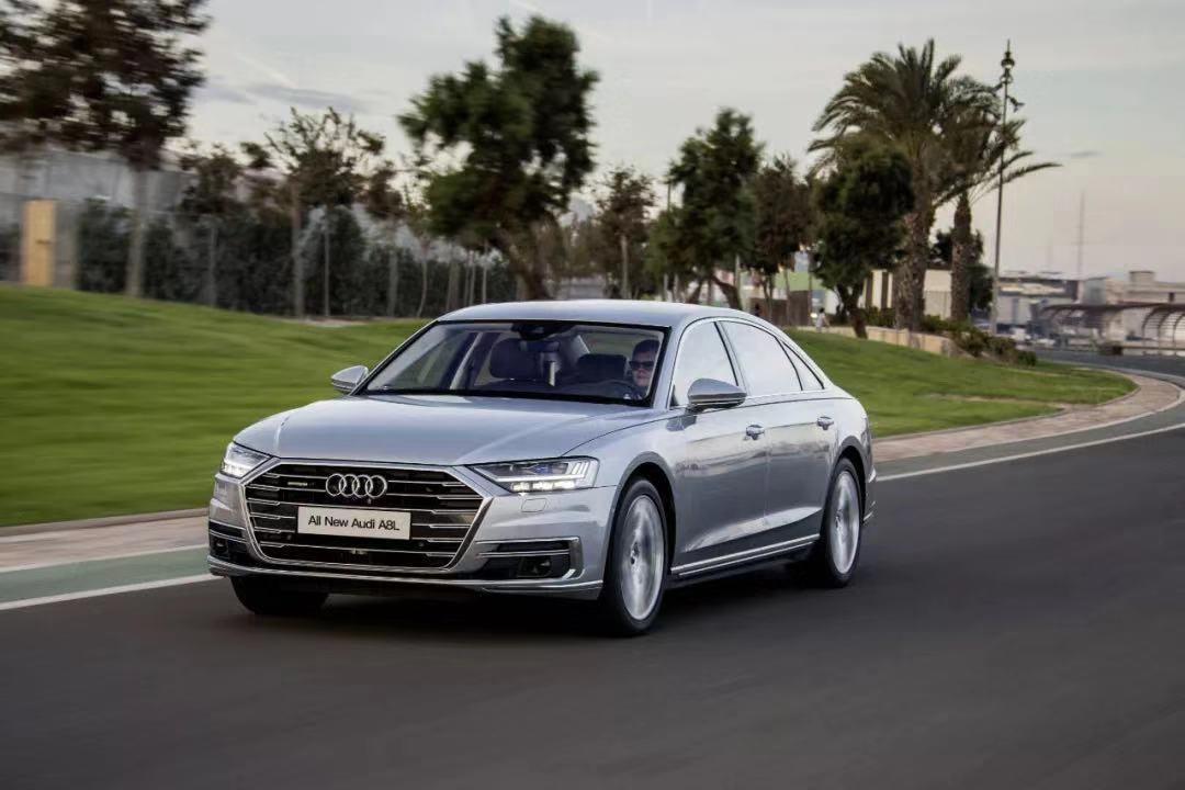 科技、混动、高颜 百万选车 为啥说TA是精英阶层最爱?