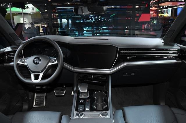 """大众旗下""""王牌SUV"""",四轮转向+四轮驱动,最高优惠13万,买吗?"""