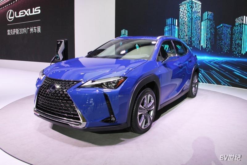 2019广州车展|实拍雷克萨斯UX 300e 纯电续航达400km