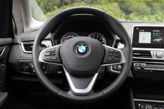 原来宝马这么便宜,BMW车标比雅阁有面子,2.0T+6AT就是快