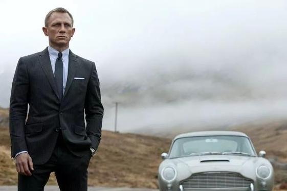有了阿斯顿·马丁DBX之后 James Bond是否就此变心了?