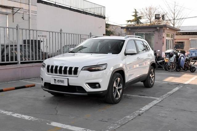 颜值与实力同在 小哥带你看Jeep自由光