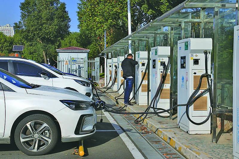 新能源汽车市场下行压力大 车企自救大招效果几何