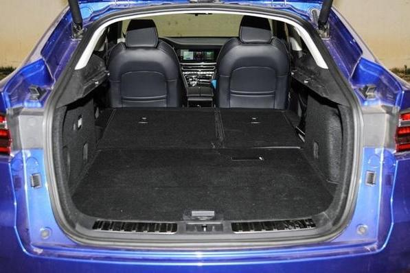 售价11.99万起,178匹马力,这台轿跑SUV性价比很高,还买CR-V?