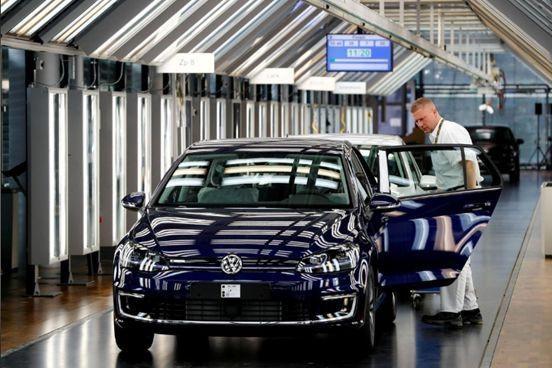 国务院对美汽车及零部件恢复征税「禾颜阅讯」