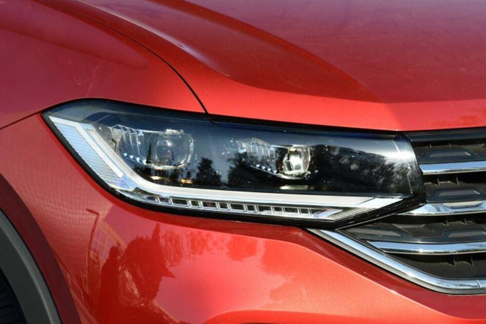 """最便宜的""""大众带字母""""SUV 双液晶屏+主动刹车 顶配15万 值吗?"""