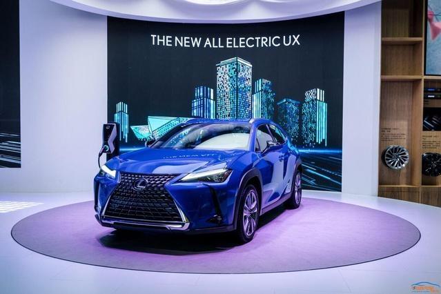 续航400km,雷克萨斯首款纯电SUV即将到店,UX300e能否更进一步?
