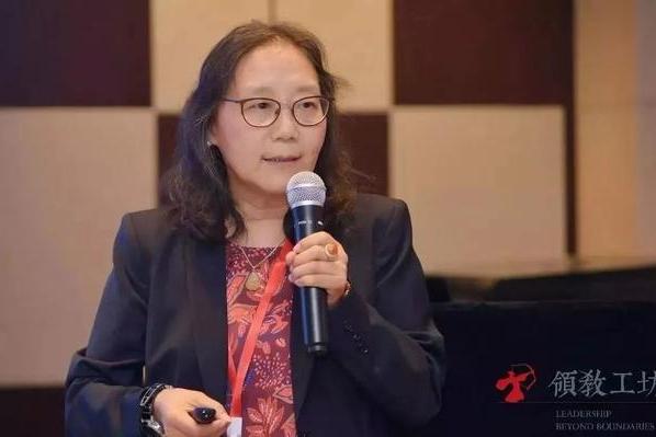 福耀玻璃前CEO刘小稚,带中国企业家打世界杯