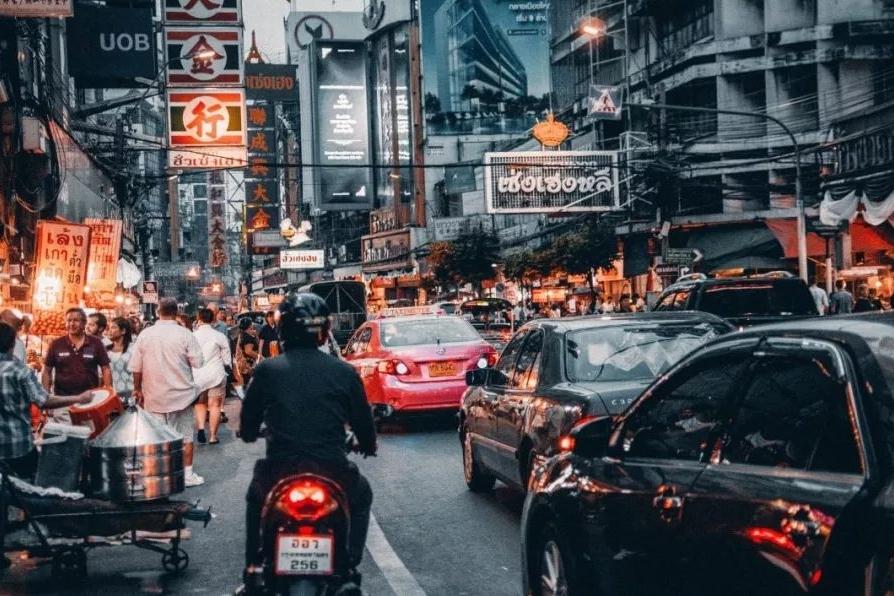 一辆本田City在泰国的售价几近锋范的两倍,很庆幸我们有自主品牌