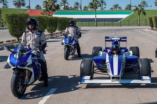 阿布扎比警队新添杜卡迪Panigale V4R警车,想超速不被抓要开啥车?