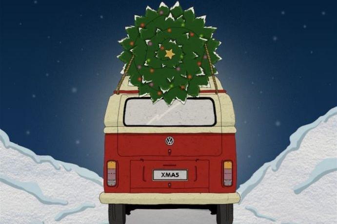 """圣诞""""事集"""":免费喝的可乐专车,圣诞老人的故乡都是赛车手……"""