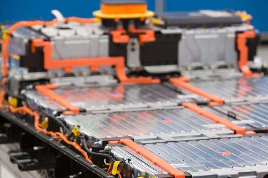 电池每年衰减2.3%,电池越耐用真的利于新能源发展吗?