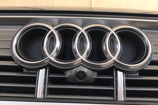 今年最走俏的豪华B级车,已卖15万+辆,22万起还买宝马3系吗?