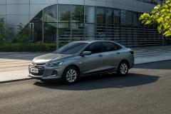 雪佛兰科鲁泽、科沃兹新车型上市 售价7.99万起