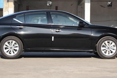 喜欢奔驰又觉得太贵可以考虑它,2.0T+380N.m,15万享30万品质