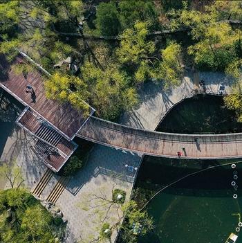 这就是山东·凤瞰齐鲁丨不负春光!一组航拍带你感受泉城公园绿意满目