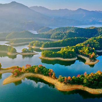 太平湖秋韵浓 山色湖景有无中