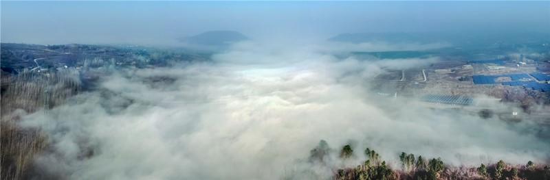 143漫漫长雾扮山岗