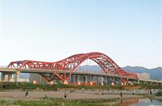 全国首座全焊接工艺钢桁架拱桥在宝鸡市建成