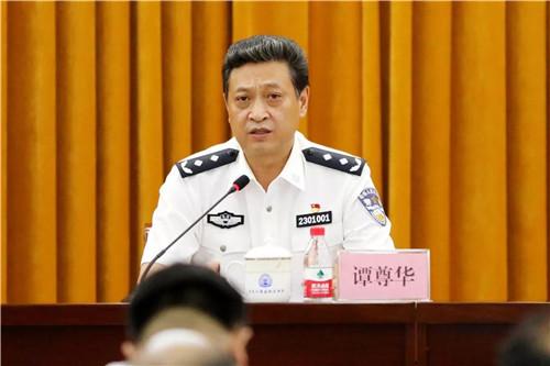 黑龙江省监狱管理局党委班子成员讲主题教育专题党课