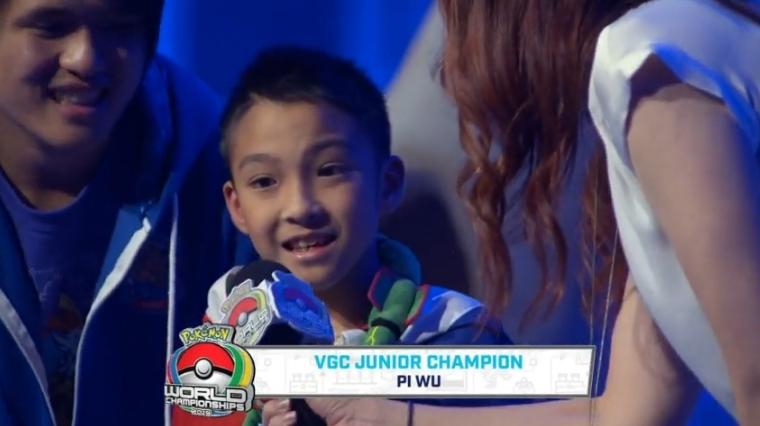 """中国台湾史上第一人 10岁男孩""""吴比""""勇夺宝可梦世界赛冠军"""