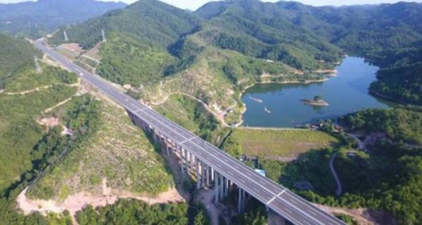 梅平高速正式通车 平远至梅州的车程缩短至30分钟