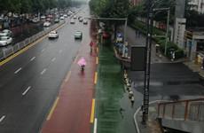 咸阳市区首条公交专用车道在人民路开工建设